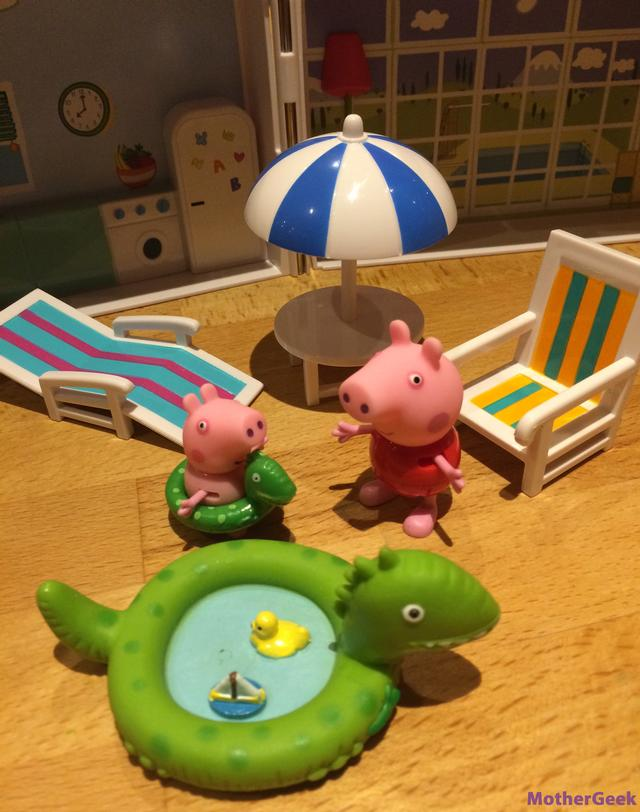 Close up of the figures included in the Peppa Pig Holiday Time Sunshine Villa Review.